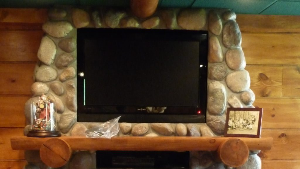 Log Cabin Basement (17)